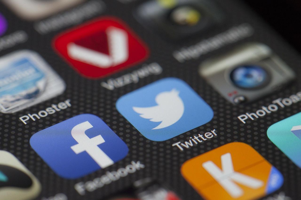 Charla sobre redes sociales